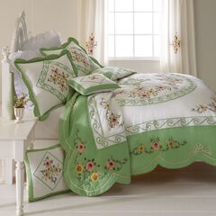 Ava Oversized Embroidered Cotton Quilt, GREEN