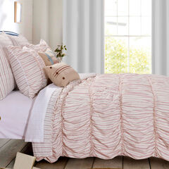 Farmhouse Chic Quilt Set , RED