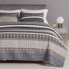 Barefoot Bungalow Gold Rush Gray Quilt and Pillow Sham Set, GRAY