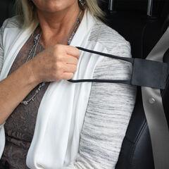 Grab & Pull Seat Belt Reacher, BLACK