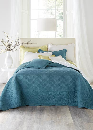 bedding shop now